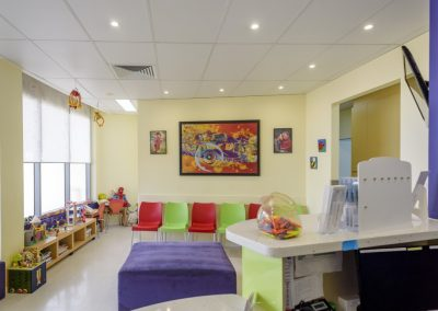 maroochydore dentist reception desk and colourful waiting room